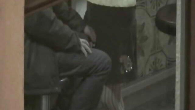 مرد پوچی او لذت می برد و خاله ولما به یک دیک به خورد